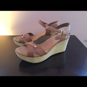 NEW Clarks Artisan Brown Leather Wedge Sandals 8M